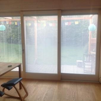 27) vista interna vetrata isolante con porta scorrevole