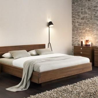 Letto Nox con comodini e cassettone in legno di noce