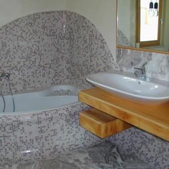mobiletto bagno in cedro deodara