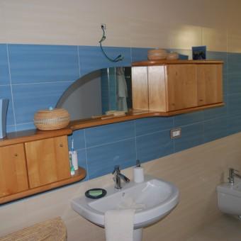 mobile bagno in ontano