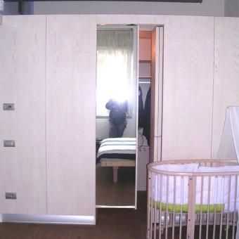 cabina armadio in listellare abete sbiancato