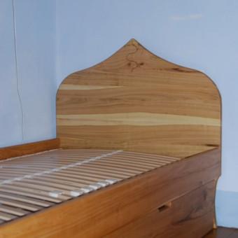 letto sciamano con secondo letto in ciliegio naturale